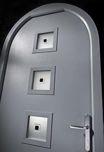 arched valencia door